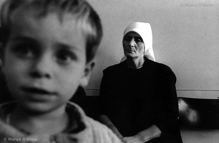 Centro di accoglienza per richiedenti l'asilo, Chiasso, 1999